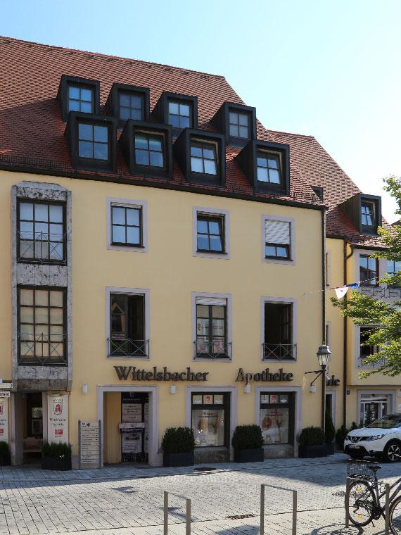 Außenansicht Wittelsbacher Apotheke Aichach